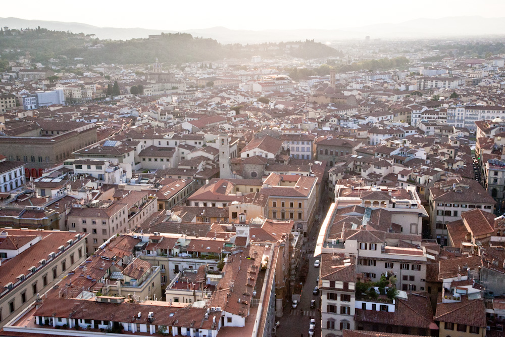 IMG_5750-climbing-belltower-duomo-florence-italy-trisa-taro-the-free-passport.jpg