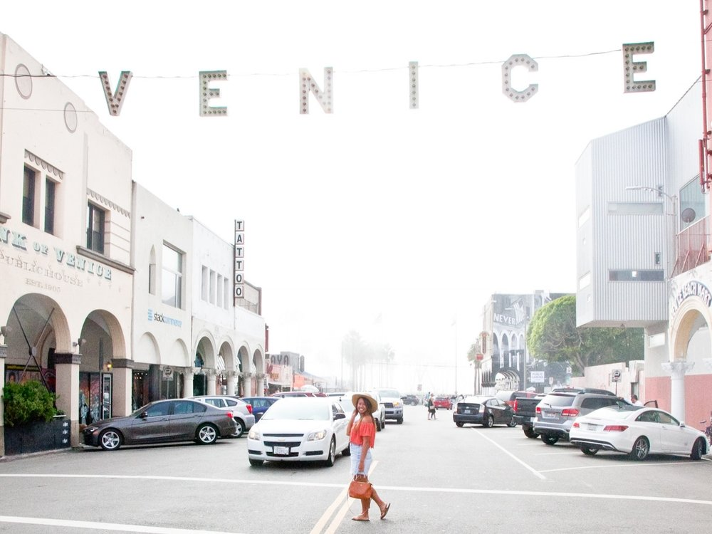 Los Angeles - There's no doubt that Los Angeles is one of the most popular destinations in the United States. Why? For the same reason that more than 3.8 million people call it home: there's so much to do, so much to see and even more to eat!