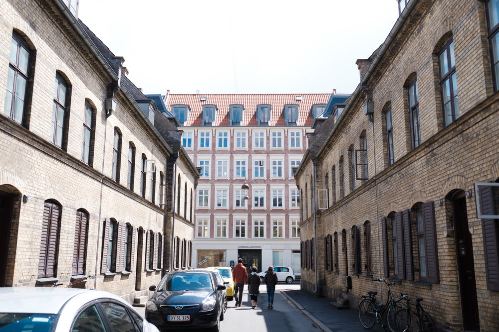 """A reminiscent walk by Simon and Emma's old apartment in """"Nyboder"""", Copenhagen"""
