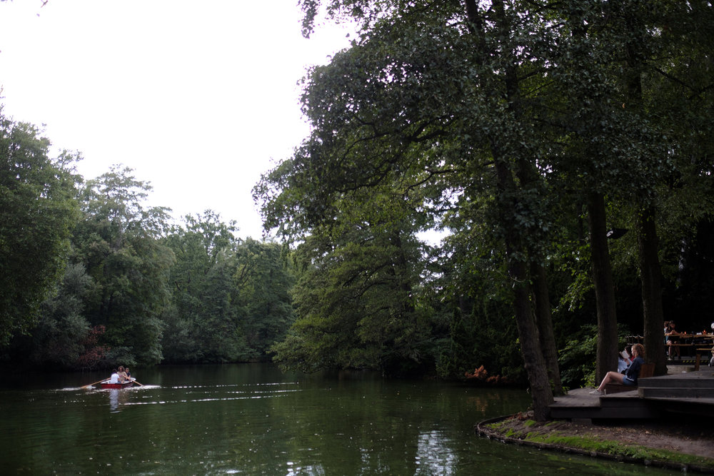 Walking back to Pension Ingeborg took us through Großer Tiergarten. A beautiful park bordering the zoo.