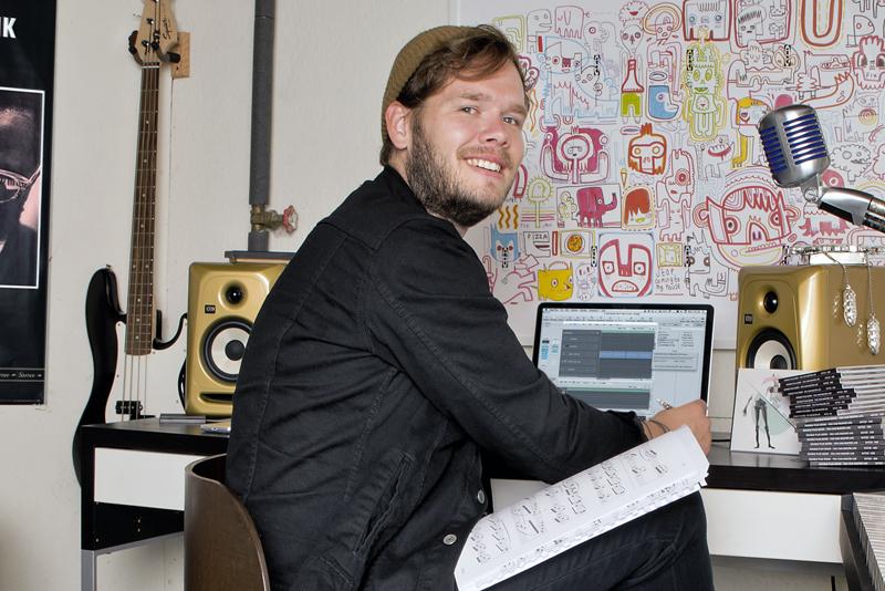 Erik Carlson | Songwriter, Teacher & All-ages Club Owner
