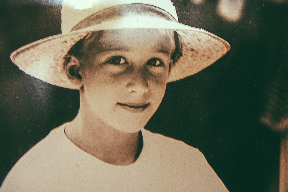 Portret genomen door mijn moeder op vakantie in de bergen in 1996.