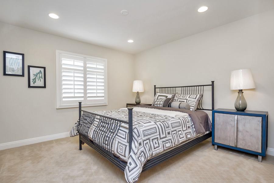985652-Bedroom_2.jpg