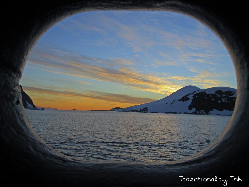 Antarctica Porthole Room