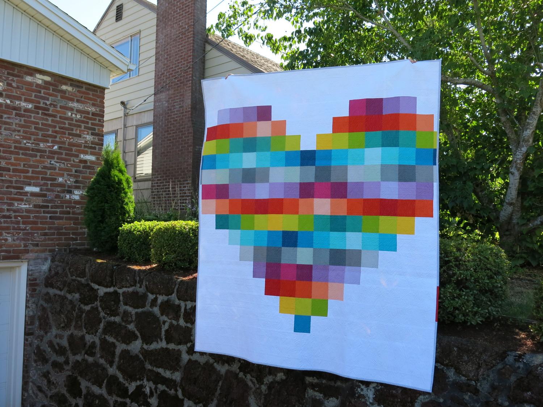 Resultado de imagem para Pixel Heart Quilt