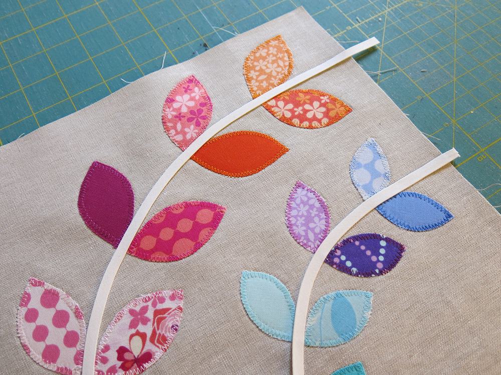 Making a Little Vines quilt block. ohfransson.com