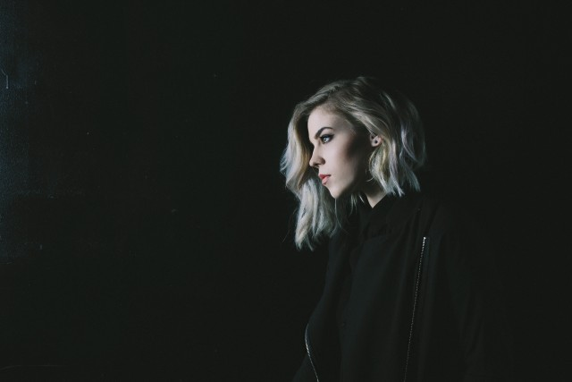 """Twenty-year-old singer/songwriter SEE premieres her music video for her song """"She Cries"""" exclusively with BUST today. The song is from her introspective five-song debut EP,Ties,which pulls elements of pop and alternative rock. Click link below to watch now: http://bust.com/music/16971-see-premieres-new-video-for-she-cries.html"""