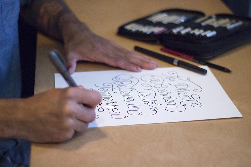 Leo-gomez-studio-hand-lettering-sketchbook-028