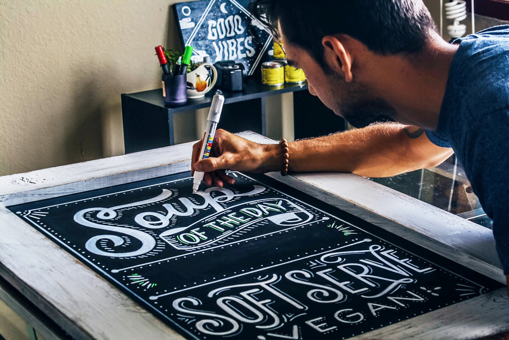 Chalk-lettering-menu-leo-gomez-studio-love-food-central-012
