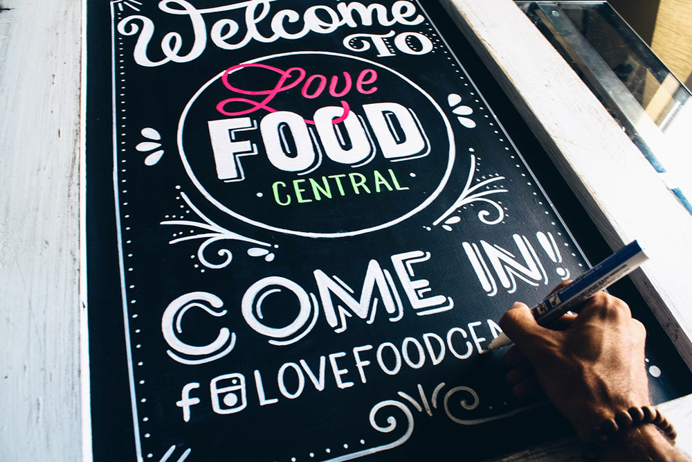 Chalk-lettering-menu-leo-gomez-studio-love-food-central-013
