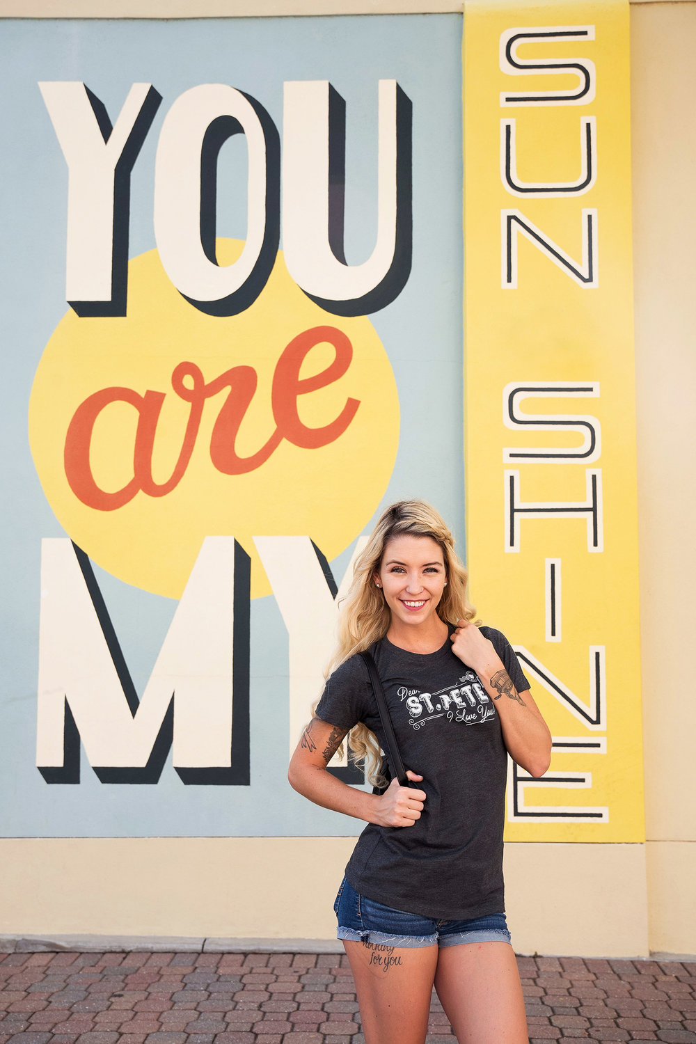 Leo-gomez-studio-marketplace-dear-st-pete-t-shirt-05