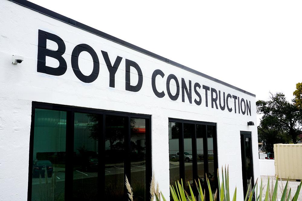 Boyd-Construction-Leo-Gomez-Studio-Hand-Painted-Sign-04.JPG