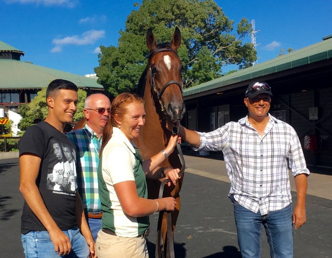 CHOICE BUY AT KARAKA  Redoute's Choice - Kaatoon filly with her new owners and Duncan Ramage