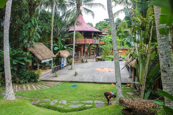 Yoga-Barn-Ubud-Bali.jpg