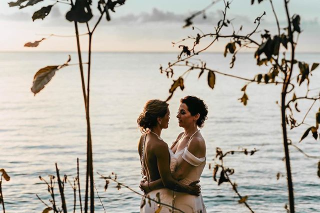 Here is one of my favs from the beach session I did the day of these pretty women's wedding. . . . #sunscapesaborcozumel #secretsresorts #secretsresort #gaywedding #indiewedding #cozumelwedding #cozumelweddingphotographer #mexicowedding #rwandastudio #elopement #elopementwedding #elopementmexico #greenweddingshoes