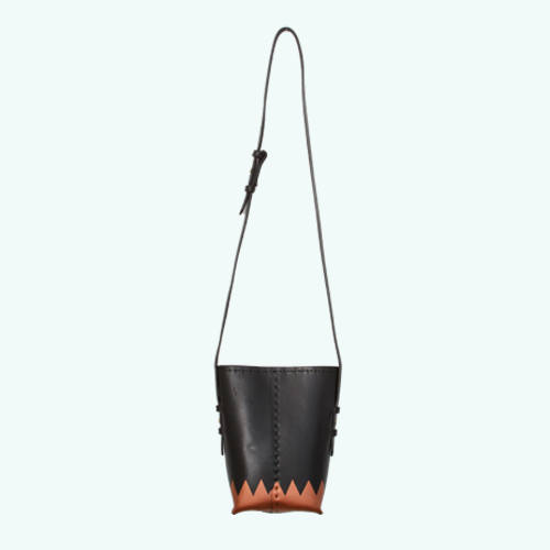 Bucket Bag: Black/Copper Toothy