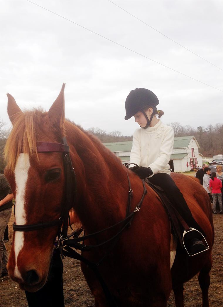 ellie.horseshow.1.13.3.JPG