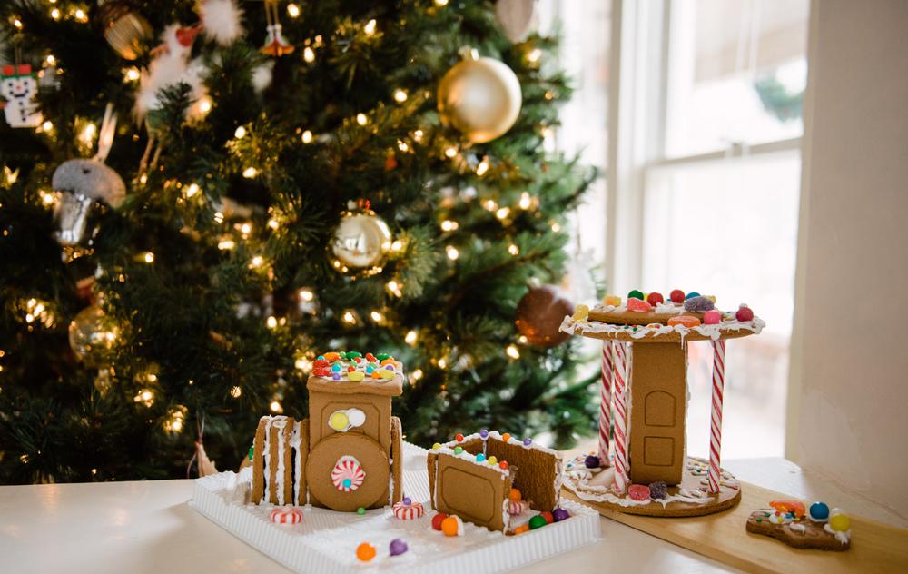 TWOELLIE.CHRISTMAS2014.5.jpg