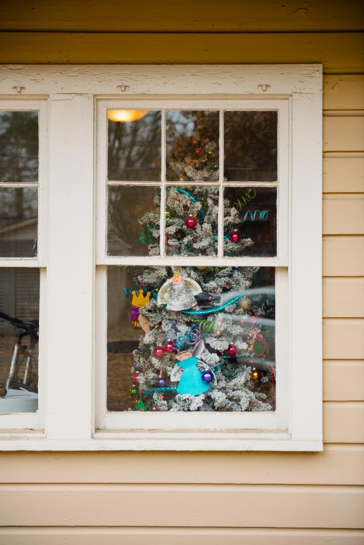 TWOELLIE.CHRISTMAS2014.7.jpg