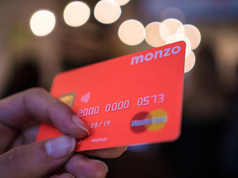 Monzo-mastercard.png
