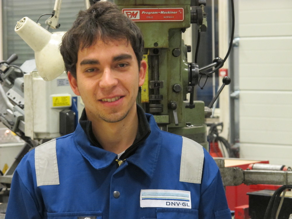 Saki Gerassis–Hydrogen and Fuel Cell Engineer (winter semester 2015) Studies: Mining and petroleum Engineering Home university: Universidad de Vigo Hometown: Vigo, Spain