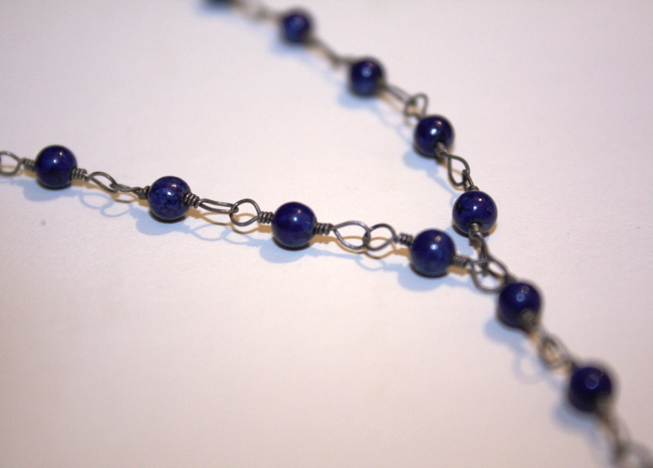 wire wrapping with indian blue beads