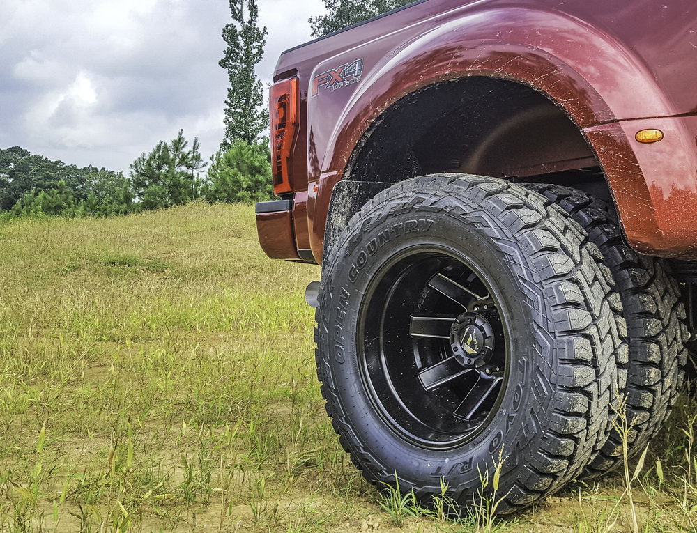 Ford F-350 Dually Wheels