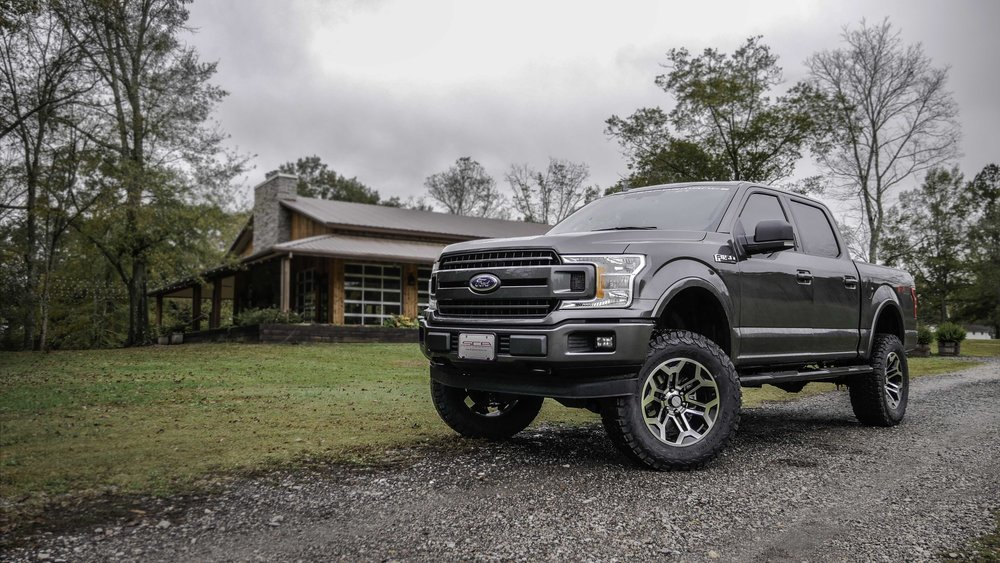 Ford Offroad Magnetic at Barn.jpg