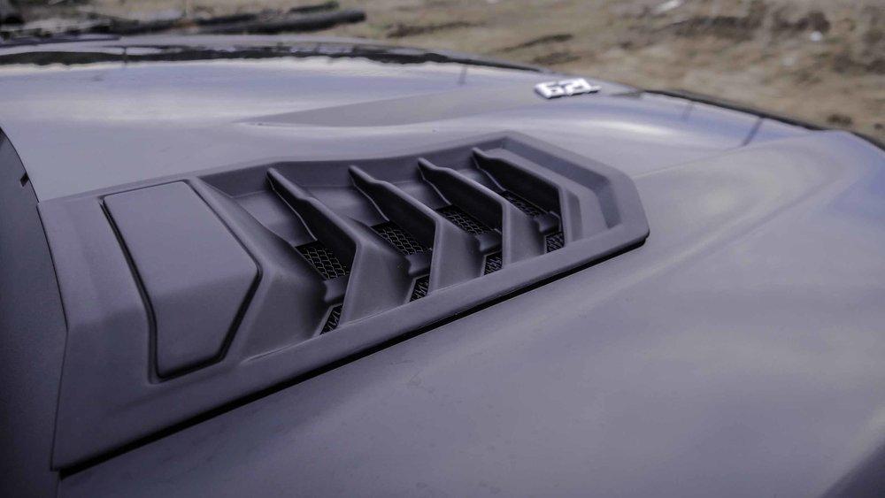 2019 Chevy Black Widow Hood Vent Close.jpg