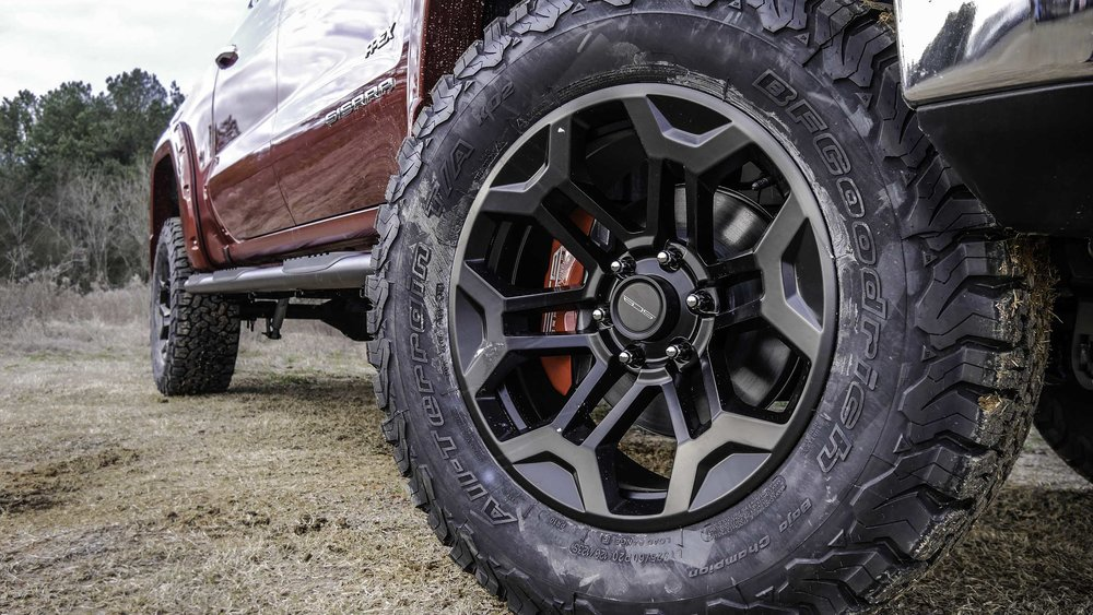 2019 GMC Apex Wheel Small.jpg