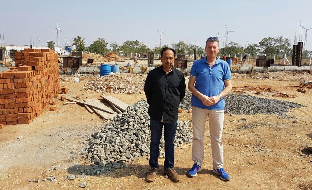 Directeur Jos van Doren met zijn Indiase collega in Coimbatore (foto: Dutch Plantin)