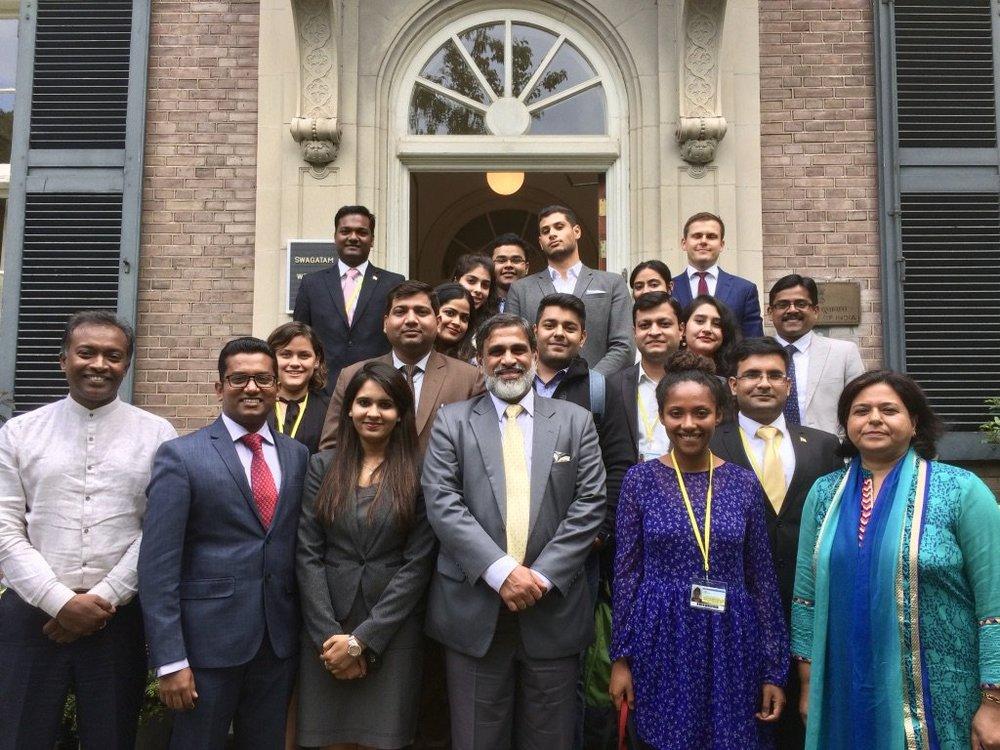 De medewerkers van de Indiase ambassade in Den Haag (foto: Indian Embassy)