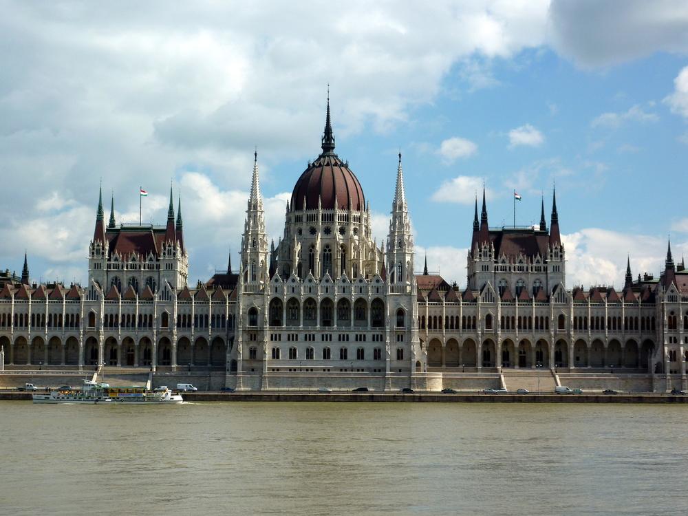 Parlamentet, en ikonisk byggnad i Budapest.