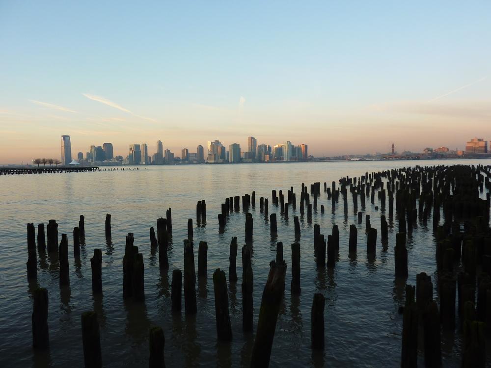 När vädret är som kallast är himlen som klarast - som i denna solnedgång över Manhattans skyline.
