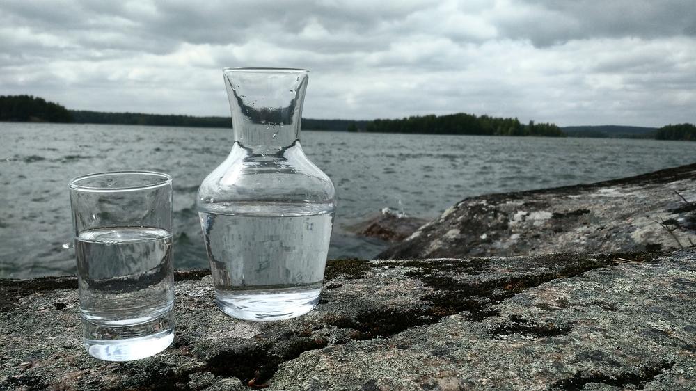 Vattnet vid Grönön är kristallklart och drickbart