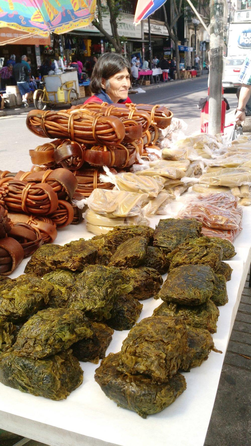 På gatorna i Chile säljs olika alger