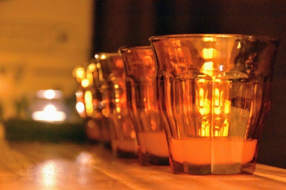 Te är, förutom kaffe, en vanlig dryck på vietnamesiska restauranger.