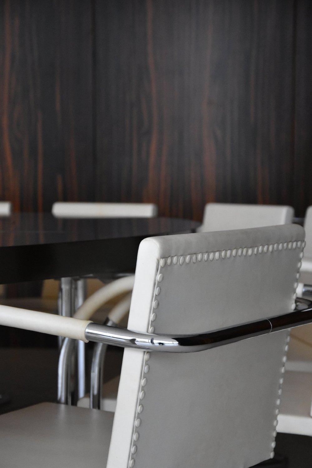 Brnostolen, vid bordet där delningen av Tjeckoslovakien beslutades