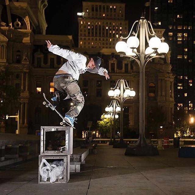 Josh Kalis, legend. @joshkalis @blabacphoto  @fkdbearings  #fkd #speed #gofast #progold #joshkalis #skateboarding #skateboardingisfun #skateboard