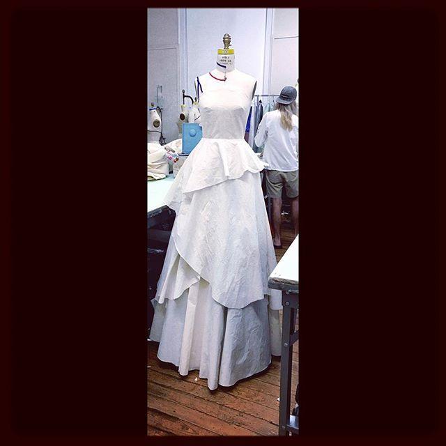 La Sangre #flashbackfridays #muslin#eveningwear #scadfashion #zvrialvna #couture #blackdesigner #ballgown#