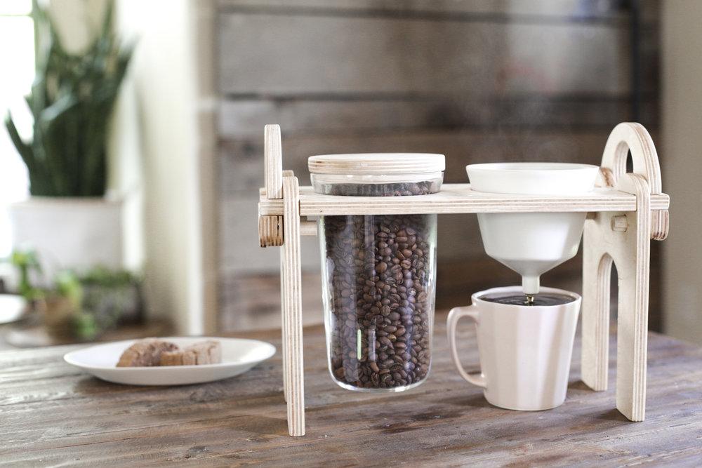 SavantPourover-Coffee-TheBrightAngle-Lifestyle-KevinEubanks.jpg