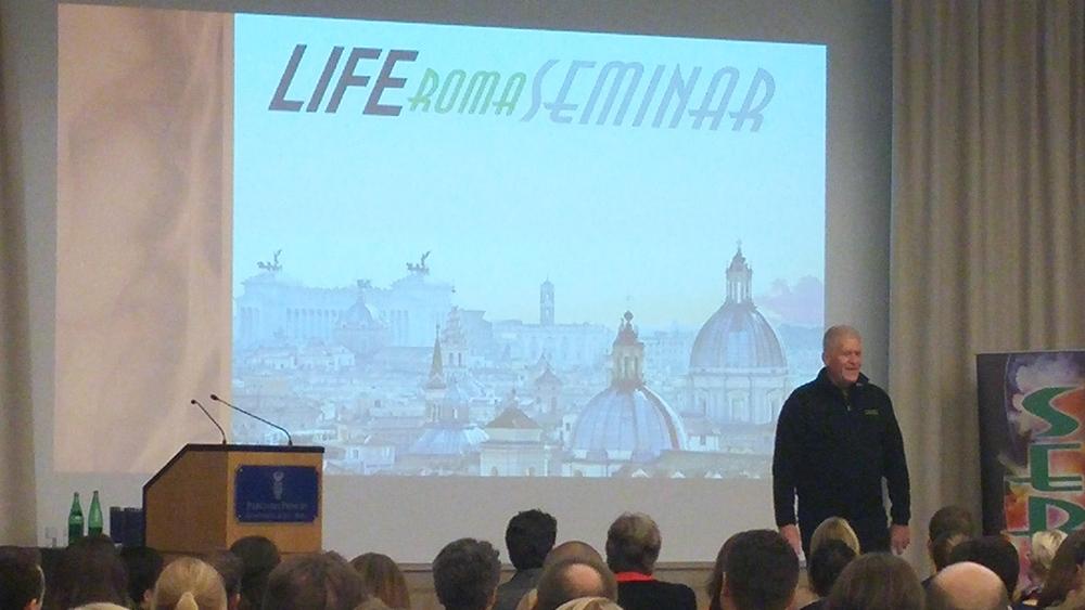 Il discorso di apertura del Dr. Guy Riekeman, Presidente della Life University.