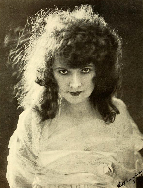 Fannie_Ward_1917.jpg