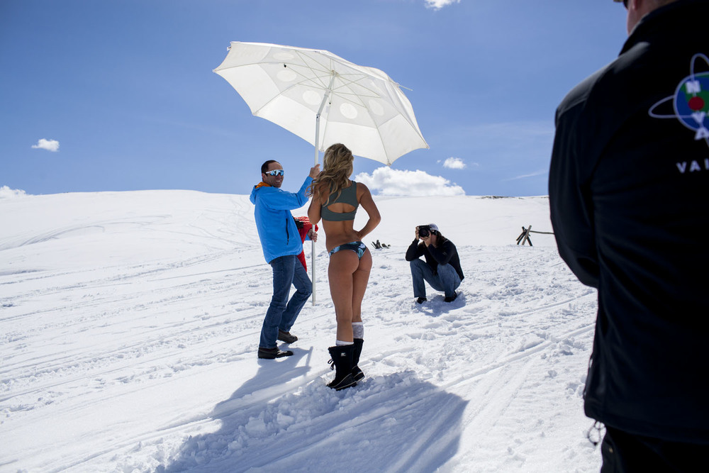 Hooters-Calendar-Behind-The-Scenes-Colorado_004.jpg
