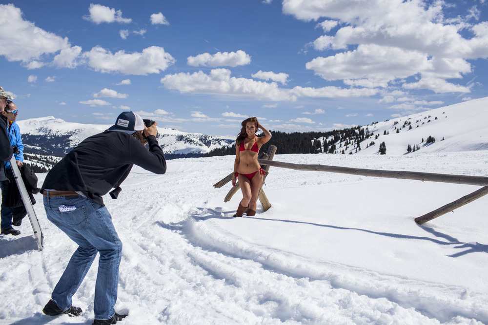 Hooters-Calendar-Behind-The-Scenes-Colorado_006.jpg