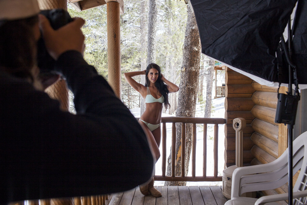 Hooters-Calendar-Behind-The-Scenes-Colorado_010.jpg