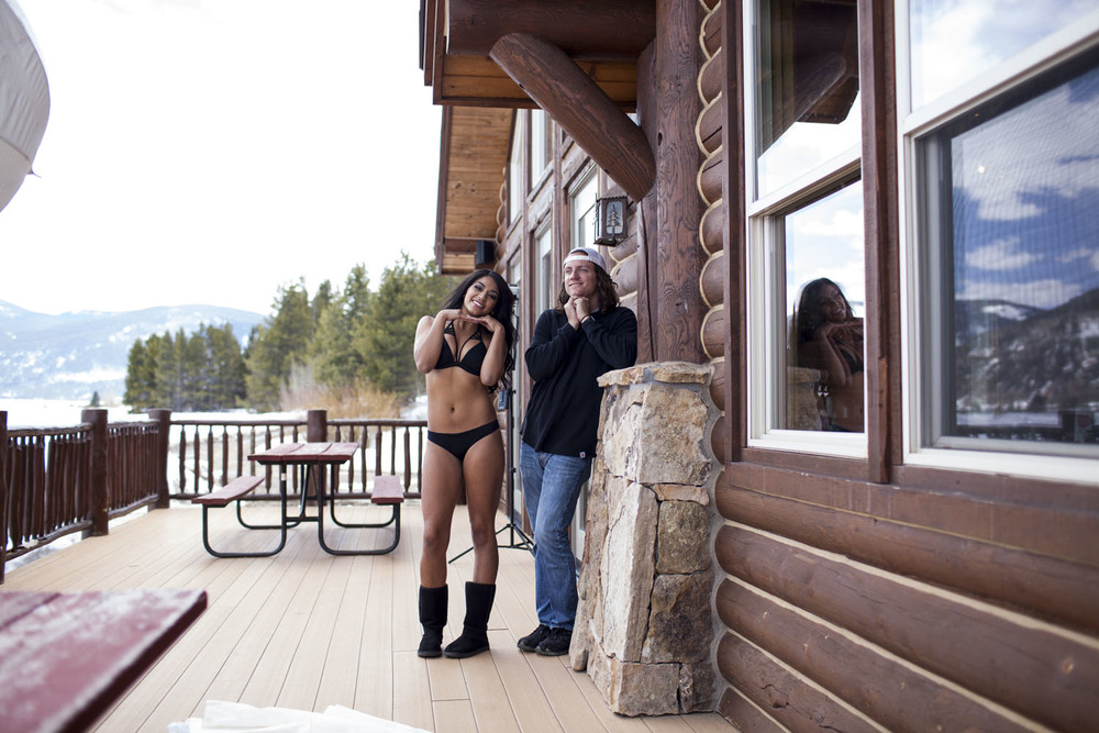 Hooters-Calendar-Behind-The-Scenes-Colorado_012.jpg