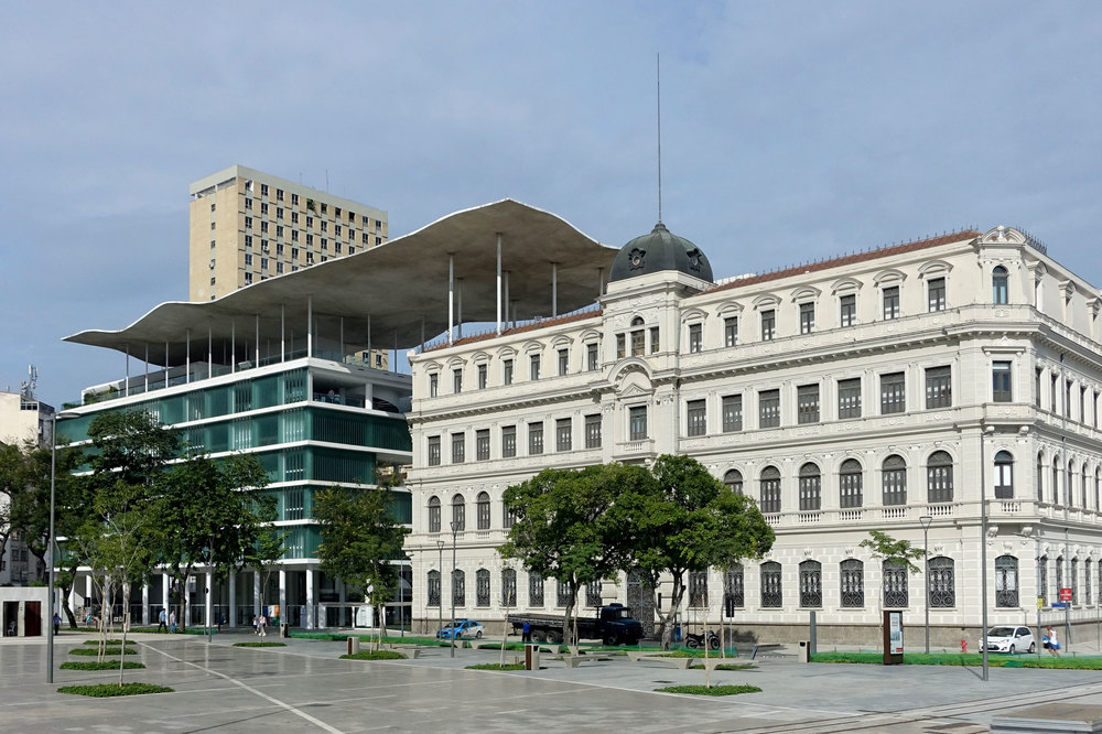 For the MAR Museum of Arts Rio de Janeiro, two buildings were converted and connected with a ondulated roof.