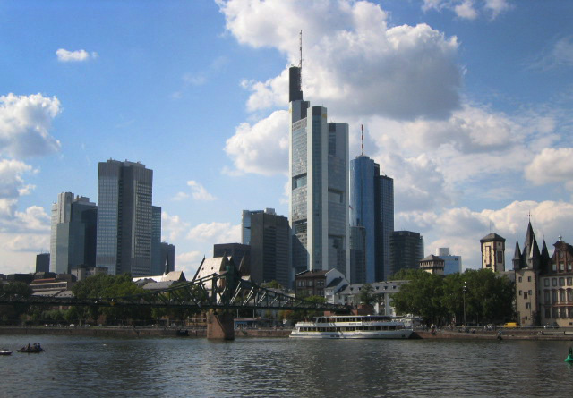 Frankfurt   Up, up to the Skyline