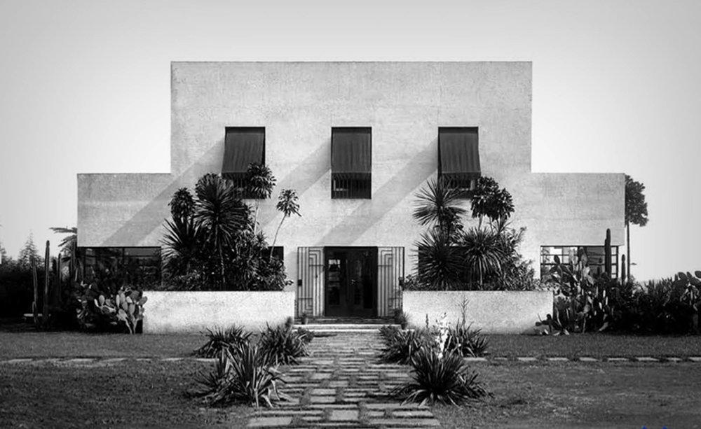 Brazil's First Modern House, built in 1928  Casa Warchavchik Rua Santa Cruz São Paulo (Photo: Yves Bruand)